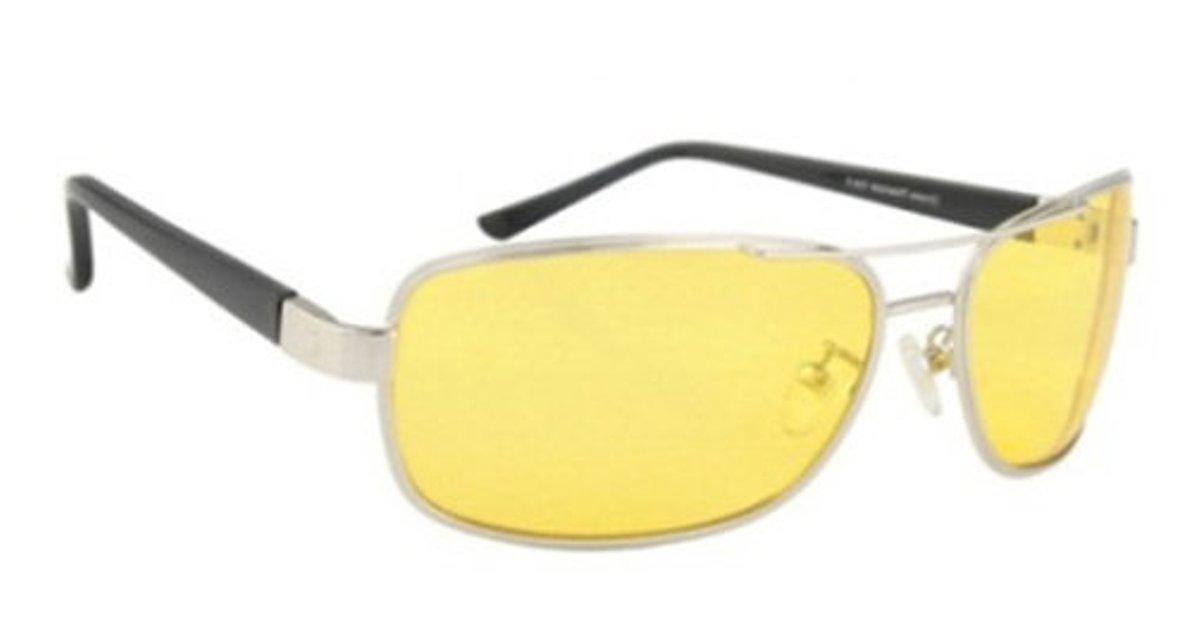Очки водителя Sun Drive с желтыми поляризационными линзами. 1704617046Очки водителя с желтыми линзами специально разработаны для управлением автомобилем в условиях плохой видимости. Вы будете лучше (контрастнее) видеть в темное время суток, в туман, снег и дождь. Это значительно улучшит безопасность вождения. А поляризация снизит слепящий эффект встречных фар. Разнообразные модели оправ подчеркнут Вашу индивидуальность.