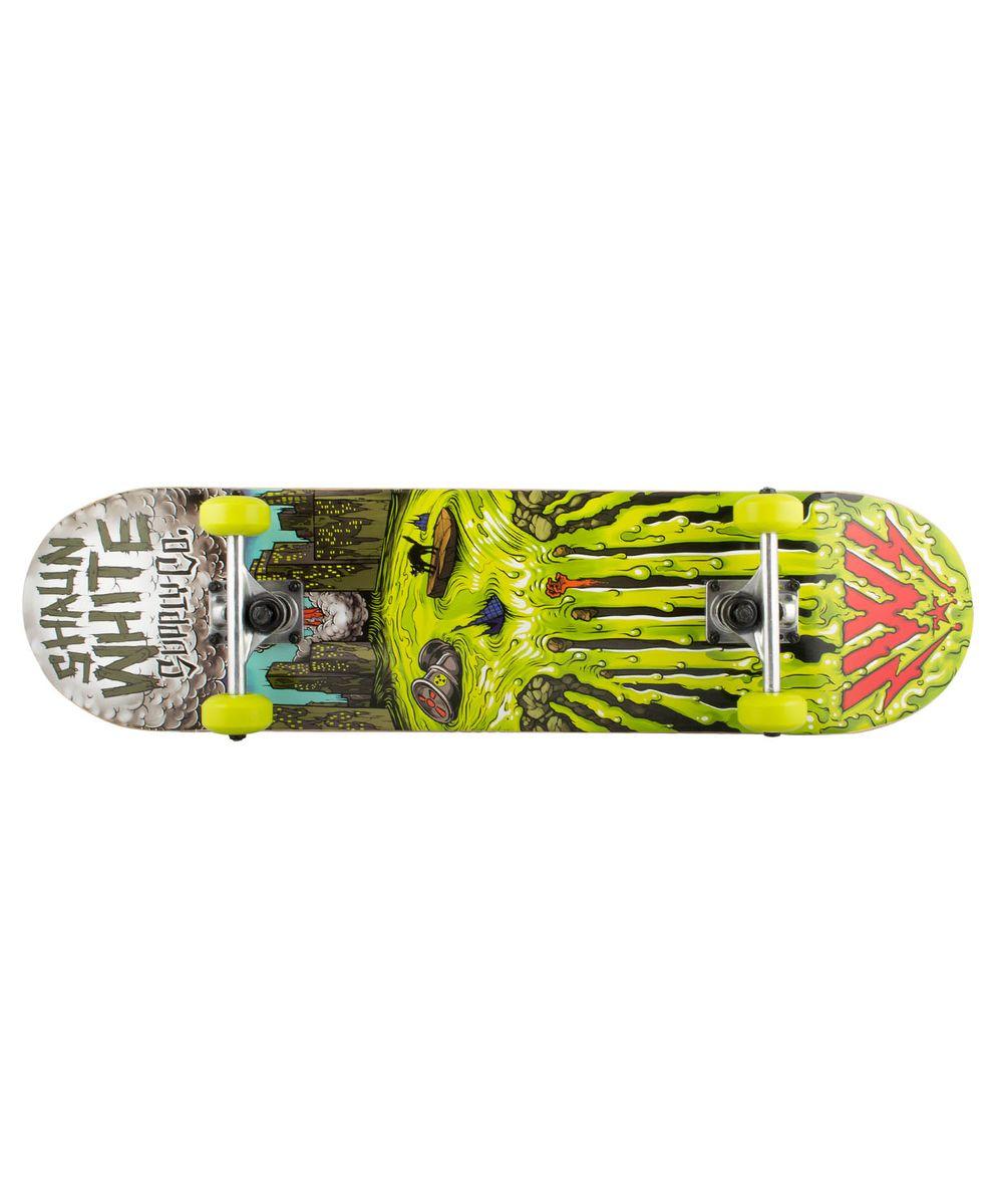 Скейтборд Shaun WHITE-3 Griffon, 31,5Х8, ABEC-3УТ-00008233Скейтборд Griffon, 31,5Х8 - это скейтборд для подростков и взрослых, тех, кто продолжает осваивать или уверенно стоит на доске. На данной доске уже можно уверенно учиться трюкам, так как в конструкции скейта присутствует алюминиевая подвеска, стойкая к ударам и износу. 31-ти дюймовая дека, алюминиевая подвеска, ПВХ колеса, индивидуальный дизайн. Технические характеристики: Дека: китайский клен, 9 слоев Размер деки: 31,5 дюйма Максимальный вес пользователя, кг: 100 Подвеска: алюминий Колеса: PVC Подшипники: ABEC-3 Производство: КНР