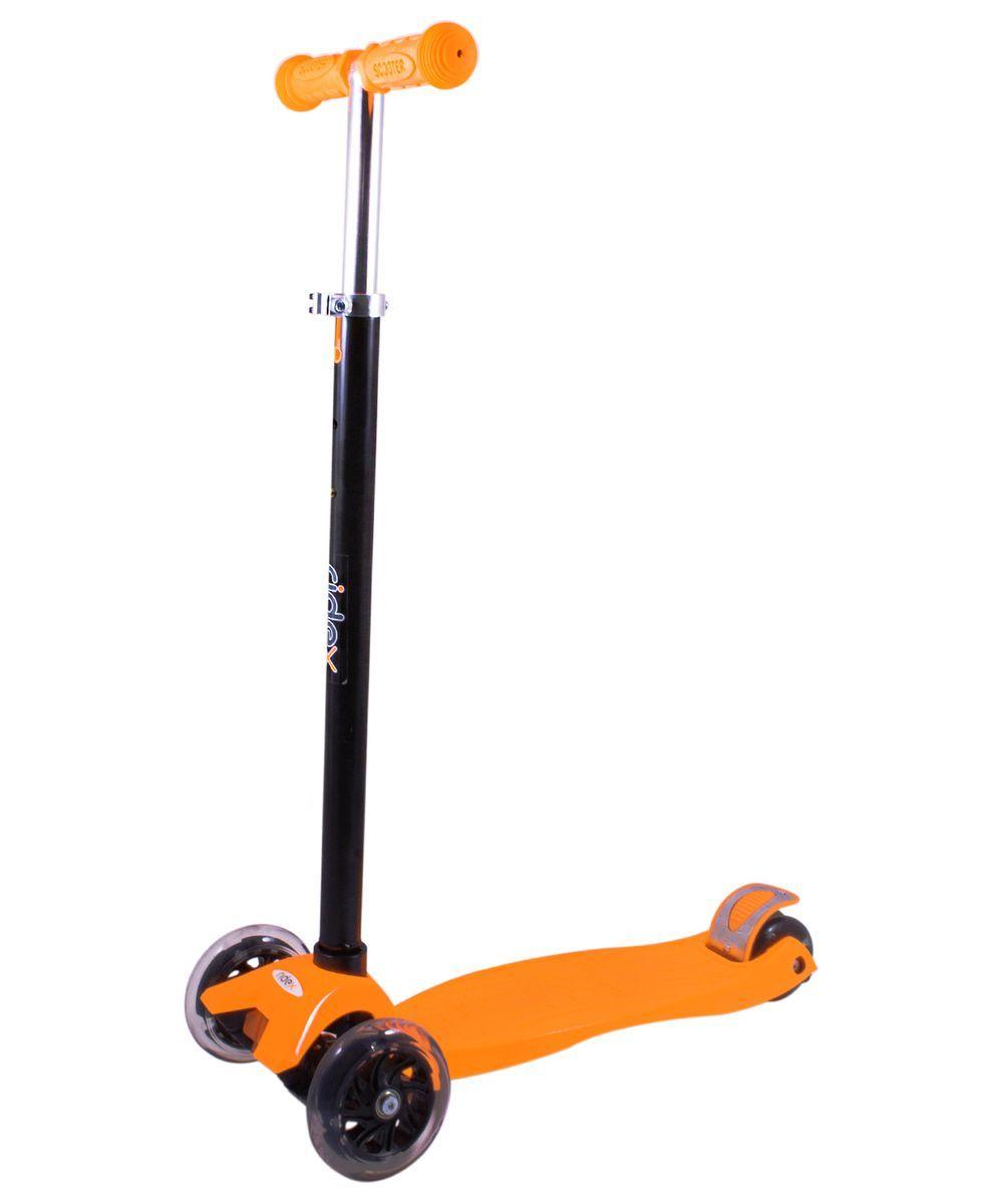 Самокат 3-колесный Ridex 3D Casper (120/80 мм), цвет: оранжевыйУТ-00008249Самокат 3-колесный 3D Casper - это детская усовершенствованная модель трехколесного самоката Casper. Создана как для продвинутых райдеров, а также для освоения азов катания. Ориентирована для детей старше трех лет. Система 3D руля сделана для простоты управления самокатом. Резиновые рукояти для лучшего сцепления с ладонями. Телескопический руль для удобства пользования детьми и подростками разного роста. Усиленная пластиковая дека для детей и подростков разных весовых категорий, а также большей амортизации неровностей, что снижает отдачу в опорно-двигательный аппарат. Сзади установлены 2 колеса для большей стабильности и устойчивости. Светящиеся прозрачные колеса эффектно выглядят днем и ночью, и привлекают как детей, так и взрослых. Мягкие колеса из полиуретана. Усиленный тормоз для оперативной остановки двух колес. Подшипники ABEC-7 для более плавной и быстрой езды. Модель выполнена в ярком и незабываемом цвете. Технические характеристики: Ручки: резина Руль: сталь Высота руля,...