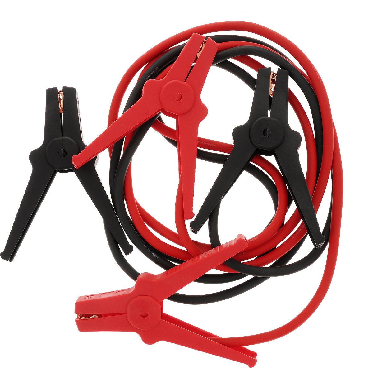 Старт-кабель Alca, CCA 200 А, длина 2,5 м404310Старт-кабель Alca выполнены из алюминия с медным покрытием. Зажимы полностью изолированы. Руководство по эксплуатации: Присоединение. Кабель с красными зажимами присоединить к плюсовой клемме разряженного аккумулятора, затем присоединить к плюсовой клемме аккумулятора, от которого производится пуск. Кабель с черными зажимами подключить к минусовой клемме аккумулятора, от которой производится пуск и к массе автомобиля с разряженной батареей, например к кабелю массы либо к не изолированной точке моторного блока, причем на максимальном удалении от аккумулятора, которым производится пуск для избежания возможного возгорания образующегося разрядного газа. Пуск. После присоединения проводов стартер-кабеля запустить двигатель автомобиля, от которого производится пуск, и установить средние обороты. Запустить двигатель автомобиля с разряженным аккумулятором. После каждой попытки запуска двигателя, длительность которого не...