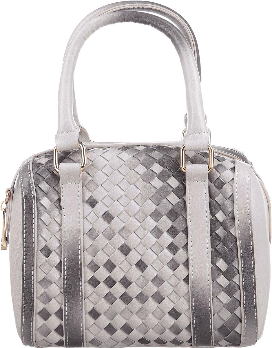 Сумка женская Renee Kler, цвет: серый, бежевый. RK430-20RK430-20Изысканная женская сумка Renee Kler выполнена из качественной искусственной кожи и дополнена оригинальным плетением. Модель имеет одно основное отделение, закрывающееся на застежку-молнию. Внутри имеется один втачной карман на застежке-молнии и два накладных кармашка для телефона и мелочей. Дно дополнено металлическими ножками, защищающими изделие от повреждений. Изделие упаковано в фирменный чехол. Изделие оснащено плечевым ремнем, который регулируется по длине. Роскошная сумка внесет элегантные нотки в ваш образ и подчеркнет ваше отменное чувство стиля.
