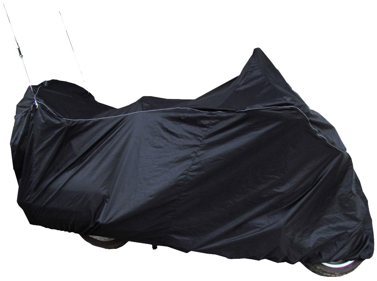 Чехол AG-brand для мотоцикла Honda GL1800 Gold Wing, цвет: черныйAG-Hnd-MC-GL1800-SCЧехол специально разработан для мотоцикла Honda GL1800 Gold Wing. Чехол для мотоцикла имеет клапаны на молнии для антенн, изготовлен из высокопрочной непромокаемой ткани. Резинка у переднего и заднего колес в совокупности с застежкой снизу мотоцикла не позволит самым сильным порывам ветра сорвать чехол. Светоотражающий кант сделает чехол более заметным на стоянке в темное время суток.