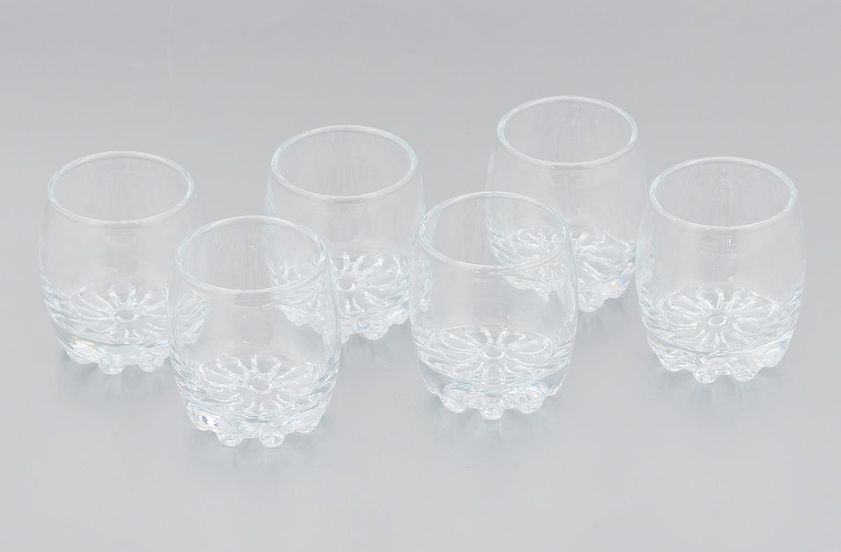 Набор стопок Pasabahce Sylvana, 80 мл, 6 шт42244/Набор Pasabahce Sylvana, выполненный из прочного натрий-кальций-силикатного стекла, которое выдерживает нагрев до 70°С. Стопки, оснащенные утолщенным дном, прекрасно подойдут для подачи водки или ликера. Эстетичность, функциональность и изящный дизайн сделают набор достойным дополнением к вашему кухонному инвентарю. Набор стопок Pasabahce Sylvana украсит ваш стол и станет отличным подарком к любому празднику. Можно использовать в микроволновой печи и мыть в посудомоечной машине. Диаметр стопки по верхнему краю: 4,5 см. Высота стопки: 6,5 см.