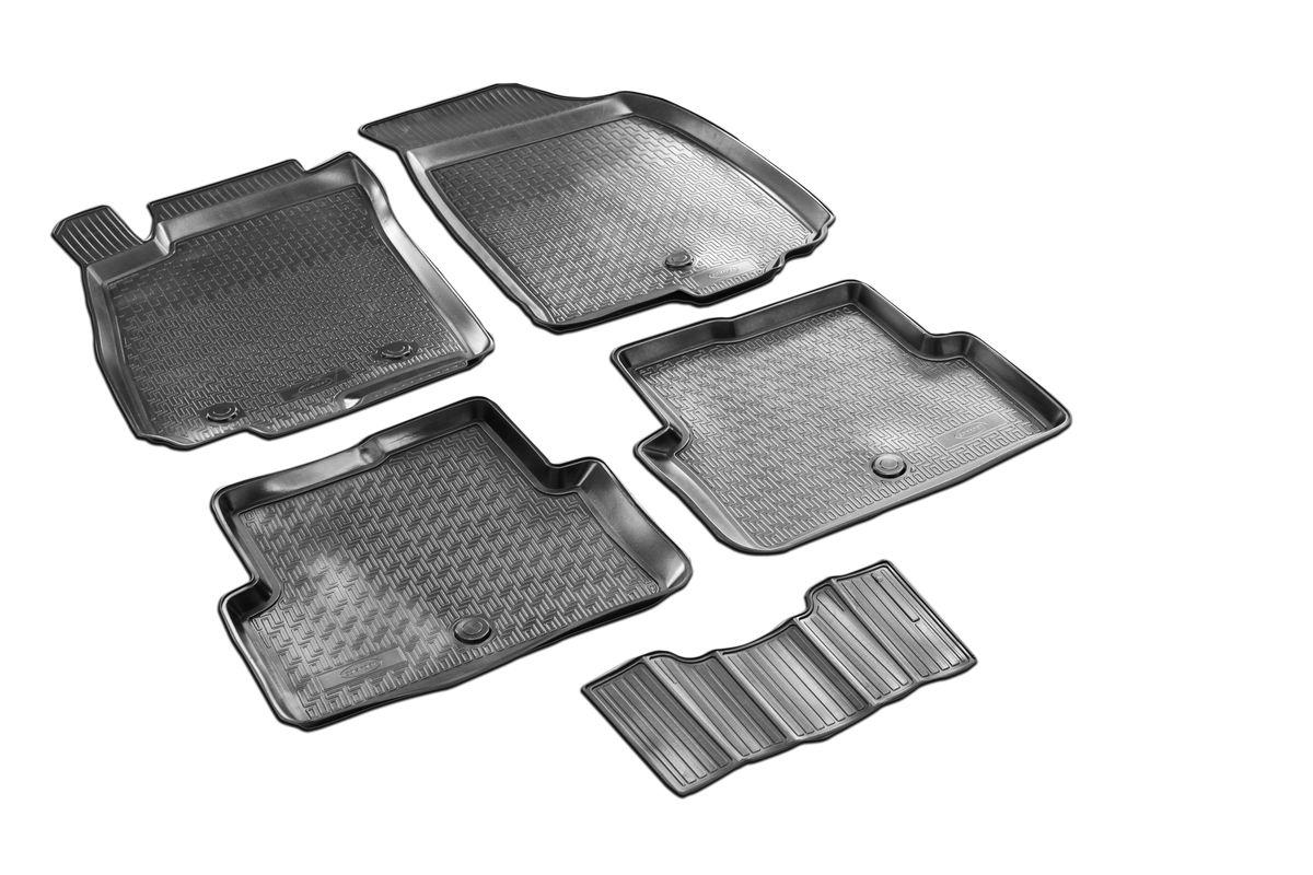 Набор автомобильных ковриков Rival, для Chevrolet Aveo 2012-, в салон, с перемычкой, 4 шт0011001001Прочные и долговечные коврики Rival, изготовленные из высококачественного и экологичного сырья, полностью повторяют геометрию салона вашего автомобиля. - Надежная система крепления, позволяющая закрепить коврик на штатные элементы фиксации, в результате чего отсутствует эффект скольжения по салону автомобиля. - Высокая стойкость поверхности к стиранию. - Специализированный рисунок и высокий борт, препятствующие распространению грязи и жидкости по поверхности ковра. - Перемычка задних ковров в комплекте предотвращает загрязнение тоннеля карданного вала. - Коврики произведены из первичных материалов, в результате чего отсутствует неприятный запах в салоне автомобиля. - Высокая эластичность материала позволяет беспрепятственно эксплуатировать коврики при температуре от -45°C до +45°C.
