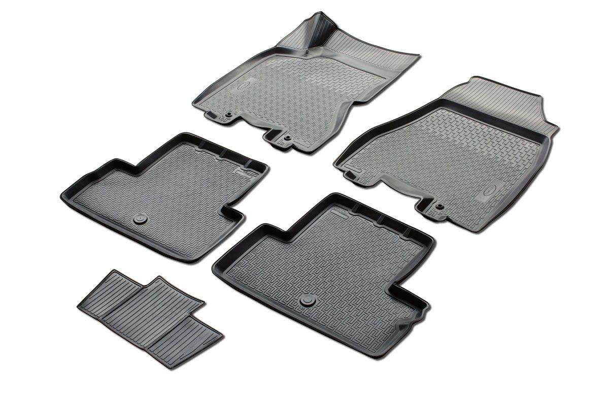 Набор автомобильных ковриков Rival, для Nissan X-Trail 2015-, T32, в салон, с перемычкой, 4 шт0014109001Прочные и долговечные коврики Rival, изготовленные из высококачественного и экологичного сырья, полностью повторяют геометрию салона вашего автомобиля. - Надежная система крепления, позволяющая закрепить коврик на штатные элементы фиксации, в результате чего отсутствует эффект скольжения по салону автомобиля. - Высокая стойкость поверхности к стиранию. - Специализированный рисунок и высокий борт, препятствующие распространению грязи и жидкости по поверхности ковра. - Перемычка задних ковров в комплекте предотвращает загрязнение тоннеля карданного вала. - Коврики произведены из первичных материалов, в результате чего отсутствует неприятный запах в салоне автомобиля. - Высокая эластичность материала позволяет беспрепятственно эксплуатировать коврики при температуре от -45°C до +45°C.