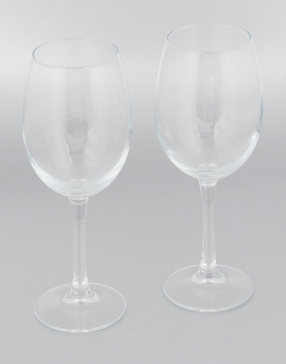 Набор бокалов Pasabahce Classique, 360 мл, 2 шт440151BНабор Pasabahce Classique состоит из двух бокалов, выполненных из прочного натрий-кальций-силикатного стекла. Изделия оснащены высокими ножками. Бокалы редназначены для подачи вина. Они сочетают в себе элегантный дизайн и функциональность. Благодаря такому набору пить напитки будет еще вкуснее. Набор бокалов Pasabahce Classique прекрасно оформит праздничный стол и создаст приятную атмосферу за романтическим ужином. Такой набор также станет хорошим подарком к любому случаю. Можно мыть в посудомоечной машине и использовать в холодильнике. Диаметр бокала по верхнему краю: 6 см. Высота бокала: 21,3 см.