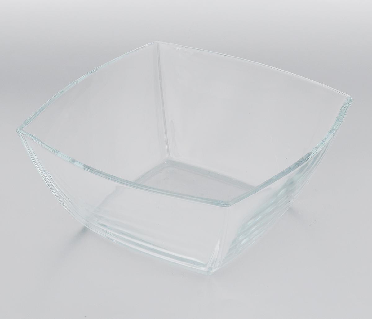 Салатник Pasabahce Tokio, 24 х 24 см53076BСалатник Pasabahce Tokio, выполненный из прочного натрий-кальций-силикатного стекла, предназначен для красивой сервировки различных блюд. Салатник сочетает в себе лаконичный дизайн с максимальной функциональностью. Оригинальность оформления придется по вкусу и ценителям классики, и тем, кто предпочитает утонченность и изящность. Можно мыть в посудомоечной машине, также использовать в холодильнике, морозильной камере и микроволновой печи до + 70°C. Размер салатника по верхнему краю: 24 х 24 см.