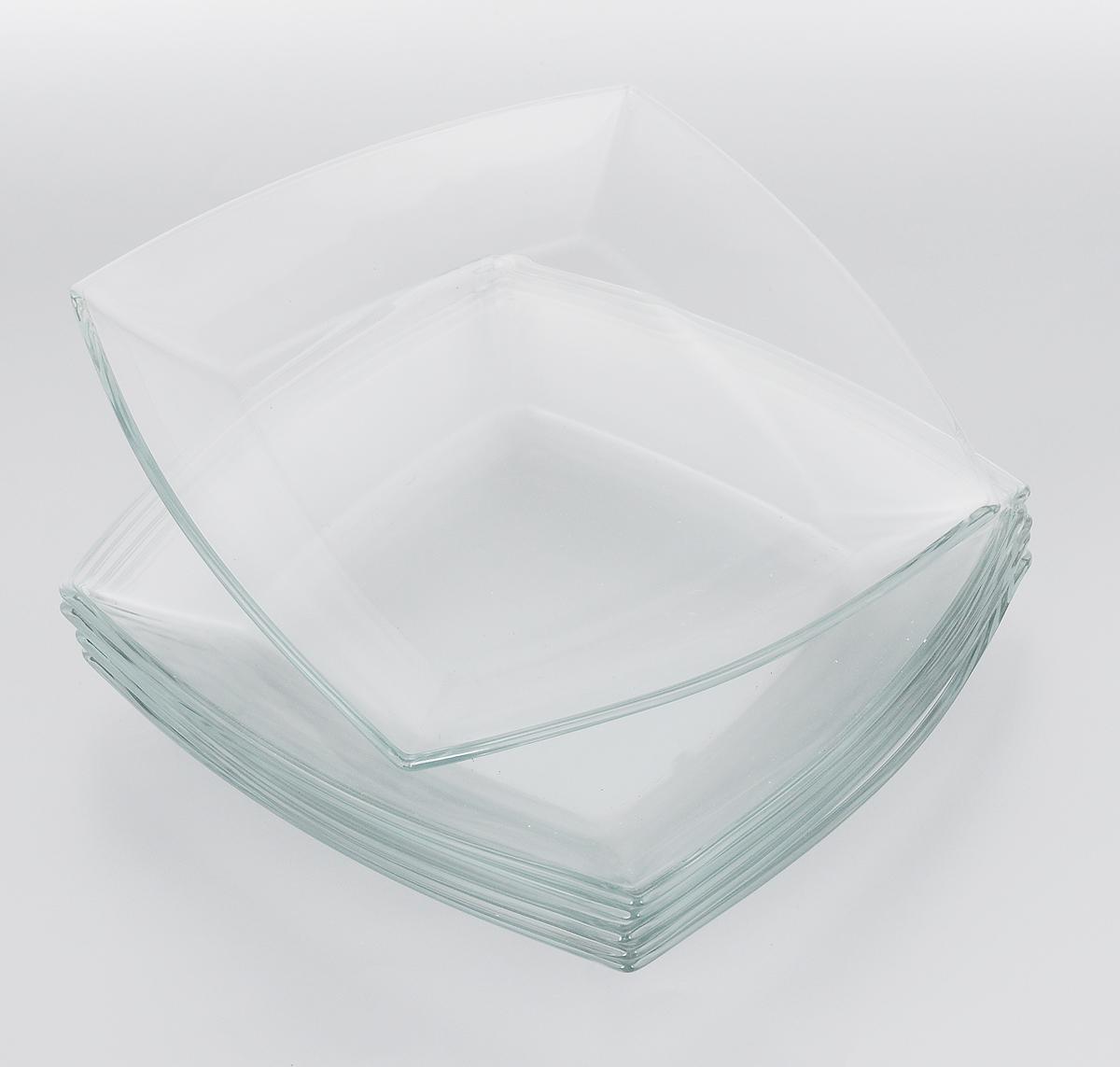 Набор тарелок Pasabahce Tokio, 26,5 х 26,5 см, 6 шт54087BНабор Pasabahce Tokio состоит из шести тарелок, выполненных из закаленного прозрачного стекла. Тарелки предназначены для красивой сервировки блюд. Они сочетают в себе изысканный дизайн с максимальной функциональностью. Оригинальность оформления тарелок придется по вкусу и ценителям классики, и тем, кто предпочитает утонченность и изящность. Набор тарелок Pasabahce Tokio послужит отличным подарком к любому празднику. Можно использовать в микроволновой печи, холодильнике и морозильной камере, также мыть в посудомоечной машине. Размер тарелок: 26,5 х 26,5 см.
