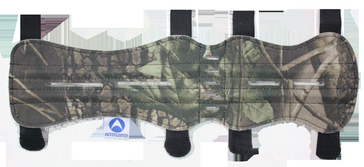 Крага охотничья Interloper, цвет: камуфляж, 33 см. AMG9118AMG9118Крага - защитное приспособление, которое одевается на предплечье стрелка, защищая руку от ударов тетивы.