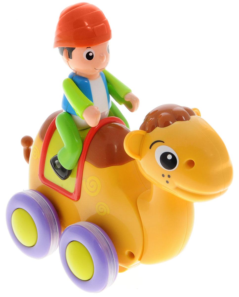 Huile Toys Машинка инерционная Loyal Camel366Яркая машинка Huile Toys Loyal Camel привлечет внимание вашего малыша и не позволит ему скучать! Выполненная из безопасного пластика с элементами из металла, игрушка представляет собой забавную машинку в виде верблюда с погонщиком. Игрушка оснащена инерционным механизмом. Для запуска установите игрушку на поверхность, подтолкните назад или вперед и отпустите, игрушка продолжит движение. Во время движения верблюд покачивает головой. Руки погонщика подвижны. Игрушка поможет ребенку в развитии воображения, мелкой моторики рук и цветового восприятия. Сделайте вашему малышу такой замечательный подарок!