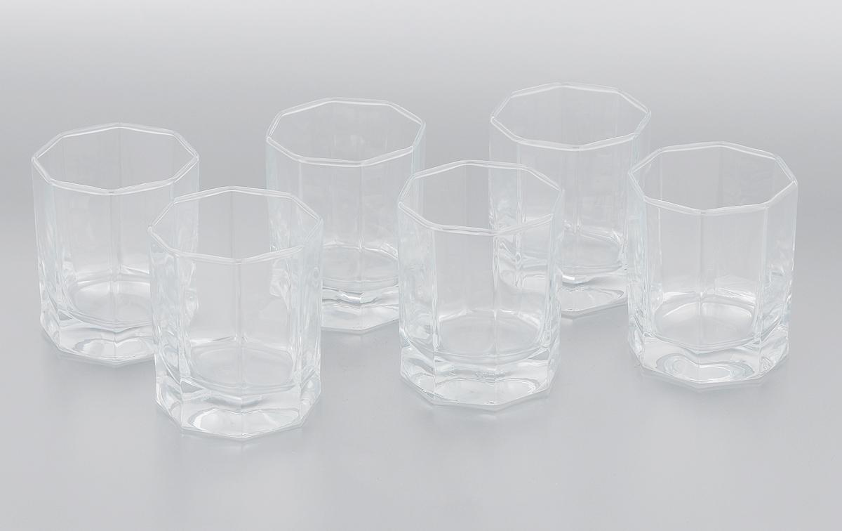 Набор стаканов Pasabahce Kosem, 200 мл, 6 шт42035/Набор Pasabahce Kosem, выполненный из закаленного натрий-кальций-силикатного стекла, состоит из шести стаканов. Низкие граненые стаканы с утолщенным дном предназначены для подачи виски и других напитков с добавлением льда. Стаканы сочетают в себе элегантный дизайн и функциональность. Благодаря такому набору пить напитки будет еще вкуснее. Набор стаканов Pasabahce Kosem идеально подойдет для сервировки стола и станет отличным подарком к любому празднику. Можно использовать в морозильной камере и микроволновой печи. Можно мыть в посудомоечной машине. Диаметр стакана (по верхнему краю): 6,5 см. Высота стакана: 8,5 см.