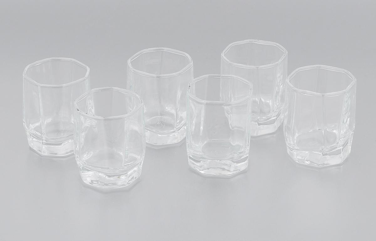 Набор стопок Pasabahce Hisar, 60 мл, 6 шт42600BНабор Pasabahce Hisar, состоящий из шести стопок, несомненно, придется вам по душе. Стопки изготовлены из высококачественного натрий-кальций-силикатного стекла и имеют слегка скошенное дно. Изделия предназначены для подачи водки. Стопки выполнены в оригинальном дизайне и прекрасно будут смотреться за праздничным столом и на кухне в повседневной жизни. Набор стопок Pasabahce Hisar идеально подойдет для сервировки стола и станет отличным подарком к любому празднику. Можно мыть в посудомоечной машине и использовать в микроволновой печи. Высота стопки: 5,5 см Размер стопки (по верхнему краю): 4 х 4 см.