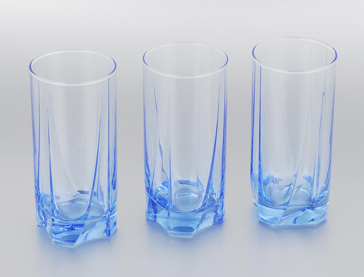 Набор стаканов для коктейлей Pasabahce Light Blue, 390 мл, 3 шт42358BM/Набор стаканов для коктейлей Pasabahce Light Blue изготовлен из натрий-кальций-силикатного стекла с синим дном. Набор состоит из 6 стаканов, выполненных в элегантном дизайне. Такие стаканы украсят любой праздничный стол. Набор стаканов для коктейлей может стать отличным подарком к любому празднику. Можно мыть в посудомоечной машине, также использовать в микроволновой печи до 70°C, в холодильнике и морозильной камере. Диаметр стакана по верхнему краю: 6,5 см. Высота стакана: 14,5 см.