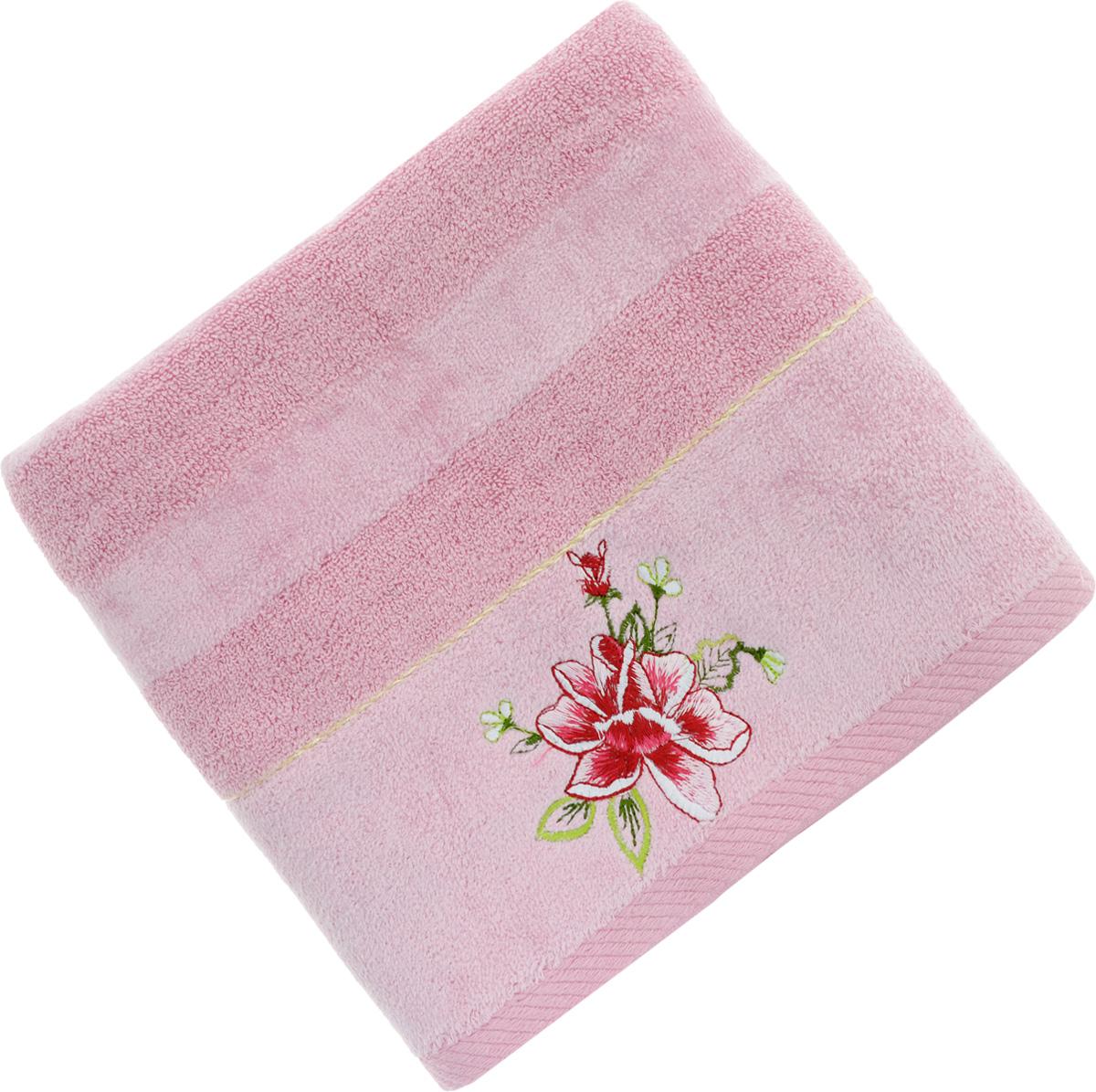 Полотенце Soavita Azalea, цвет: розовый, 50 х 90 см64023Полотенце Soavita Azalea выполнено из 100% хлопка. Изделие отлично впитывает влагу, быстро сохнет, сохраняет яркость цвета и не теряет форму даже после многократных стирок. Полотенце очень практично и неприхотливо в уходе. Оно создаст прекрасное настроение и украсит интерьер в ванной комнате.