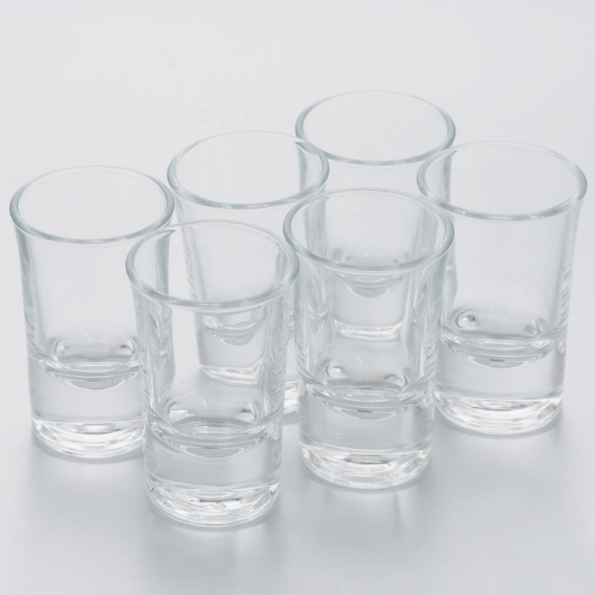 Набор стопок Pasabahce Boston Shots, 40 мл, 6 шт52174BНабор Pasabahce Boston Shots, выполненный из прочного натрий-кальций-силикатного стекла, состоит из шести стопок. Стопки, оснащенные утолщенным дном, прекрасно подойдут для подачи водки или ликера. Эстетичность, функциональность и изящный дизайн сделают набор достойным дополнением к вашему кухонному инвентарю. Набор стопок Pasabahce Boston Shots украсит ваш стол и станет отличным подарком к любому празднику. Можно использовать в микроволновой печи и мыть в посудомоечной машине. Диаметр стопки по верхнему краю: 4 см. Высота стопки: 7 см.