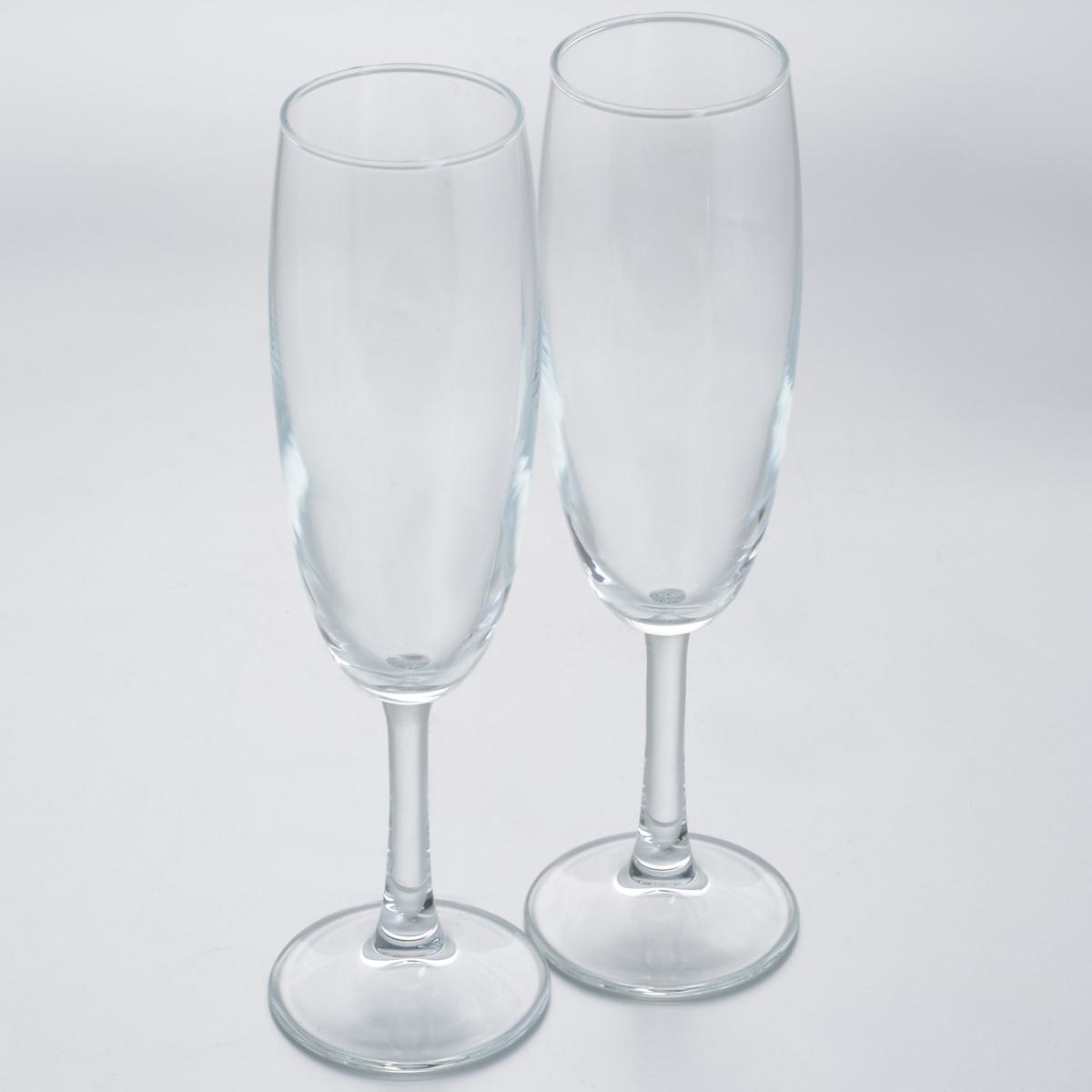 Набор бокалов Pasabahce Classique, 215 мл, 2 шт440150BНабор Pasabahce Classique состоит из двух высоких бокалов, выполненных из прочного натрий-кальций-силикатного стекла. Изделия оснащены высокими ножками.. Бокалы предназначены для подачи шампанского или вина. Набор бокалов Pasabahce прекрасно оформит праздничный стол и станет хорошим подарком к любому случаю. Можно мыть в посудомоечной машине. Диаметр бокала (по верхнему краю): 4,9 см. Высота бокала: 21,8 см.