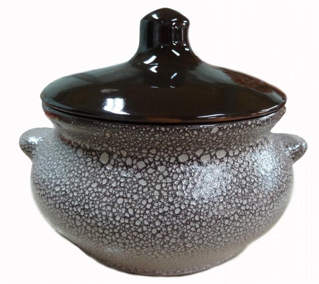 Горшок для жаркого Борисовская керамика Мрамор, с ручками, 0,5 лМРМ14456851Горшок для жаркого Борисовская керамика Мрамор выполнен из высококачественной керамики. Керамика абсолютно безопасна, поэтому изделие придется по вкусу любителям здоровой и полезной пищи. Горшок для запекания с крышкой очень вместителен и имеет удобную форму. Идеально подходит для одной порции. Уникальные свойства красной глины и толстые стенки изделия обеспечивают эффект русской печи при приготовлении блюд. Это значит, что еда будет очень вкусной, сочной и здоровой. Посуда жаропрочная. Можно использовать в духовке и микроволновой печи. Диаметр горшочка: 13 см. Высота: 9,5 см.
