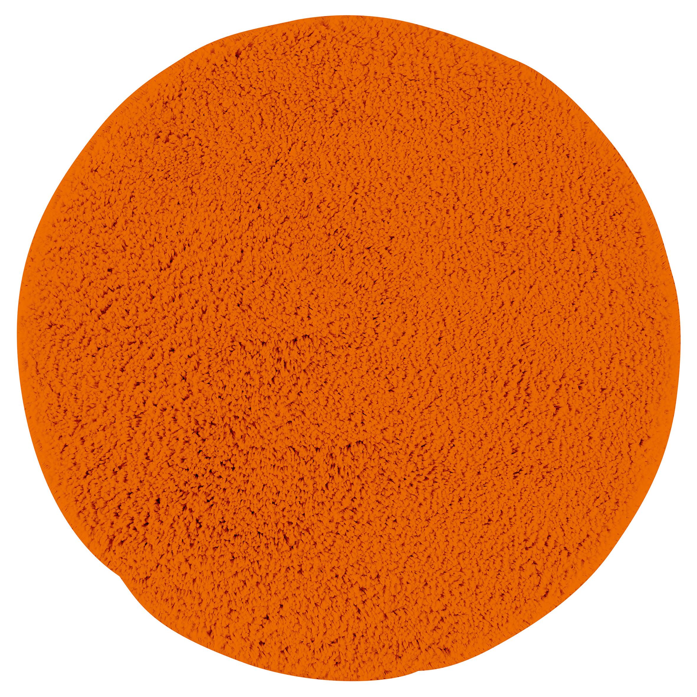 Коврик для ванной Axentia, круглый, цвет: оранжевый, диаметр 50 см116068Коврик для ванной комнаты из микрофибры, круглый, диаметр 50 см. Высота ворса 1,5 см, стеганный. Противоскользящее основание изготовлено из термопластичной резины и подходит для полов с подогревом. Коврик мягкий и приятный на ощупь, отлично впитывает влагу и быстро сохнет. Можно стирать в стиральной машине. Высокая износостойкость коврика и стойкость цвета позволит вам наслаждаться покупкой долгие годы. Широкая гамма расцветок ковриков Axentia удовлетворит самый притязательный вкус.