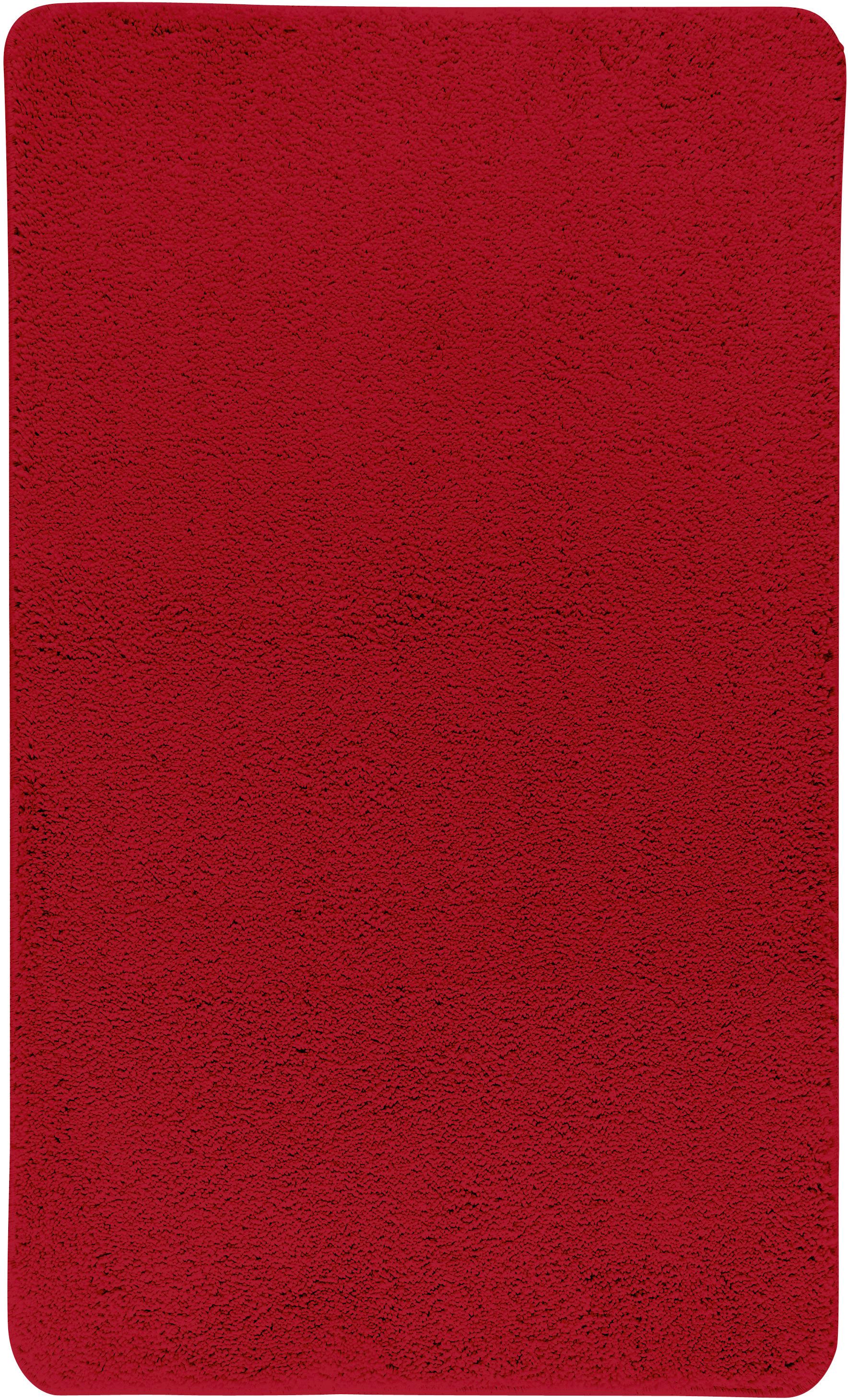 Коврик для ванной Axentia, прямоугольный, цвет: красный, 60 х 100 см116080Коврик для ванной комнаты из микрофибры, прямоугольный, большой 60х100 см. Высота ворса 1,5 см, стеганный. Противоскользящее основание изготовлено из термопластичной резины и подходит для полов с подогревом. Коврик мягкий и приятный на ощупь, отлично впитывает влагу и быстро сохнет. Можно стирать в стиральной машине. Высокая износостойкость коврика и стойкость цвета позволит вам наслаждаться покупкой долгие годы. Широкая гамма расцветок ковриков Axentia удовлетворит самый притязательный вкус.