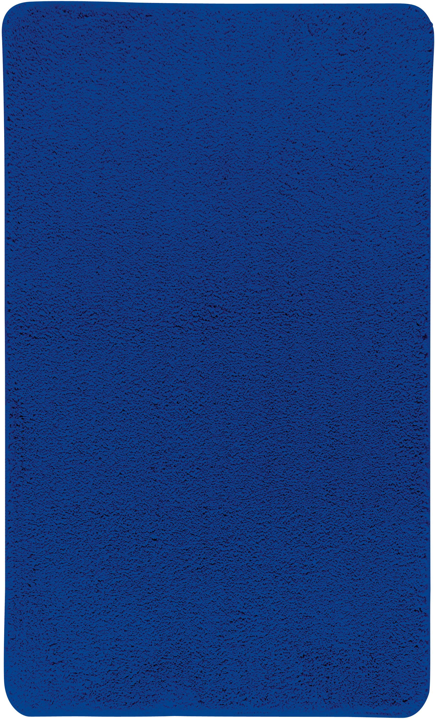 Коврик для ванной Axentia, прямоугольный, цвет: синий, 60 х 100 см116075Коврик для ванной комнаты из микрофибры, прямоугольный, большой 60х100 см. Высота ворса 1,5 см, стеганный. Противоскользящее основание изготовлено из термопластичной резины и подходит для полов с подогревом. Коврик мягкий и приятный на ощупь, отлично впитывает влагу и быстро сохнет. Можно стирать в стиральной машине. Высокая износостойкость коврика и стойкость цвета позволит вам наслаждаться покупкой долгие годы. Широкая гамма расцветок ковриков Axentia удовлетворит самый притязательный вкус.
