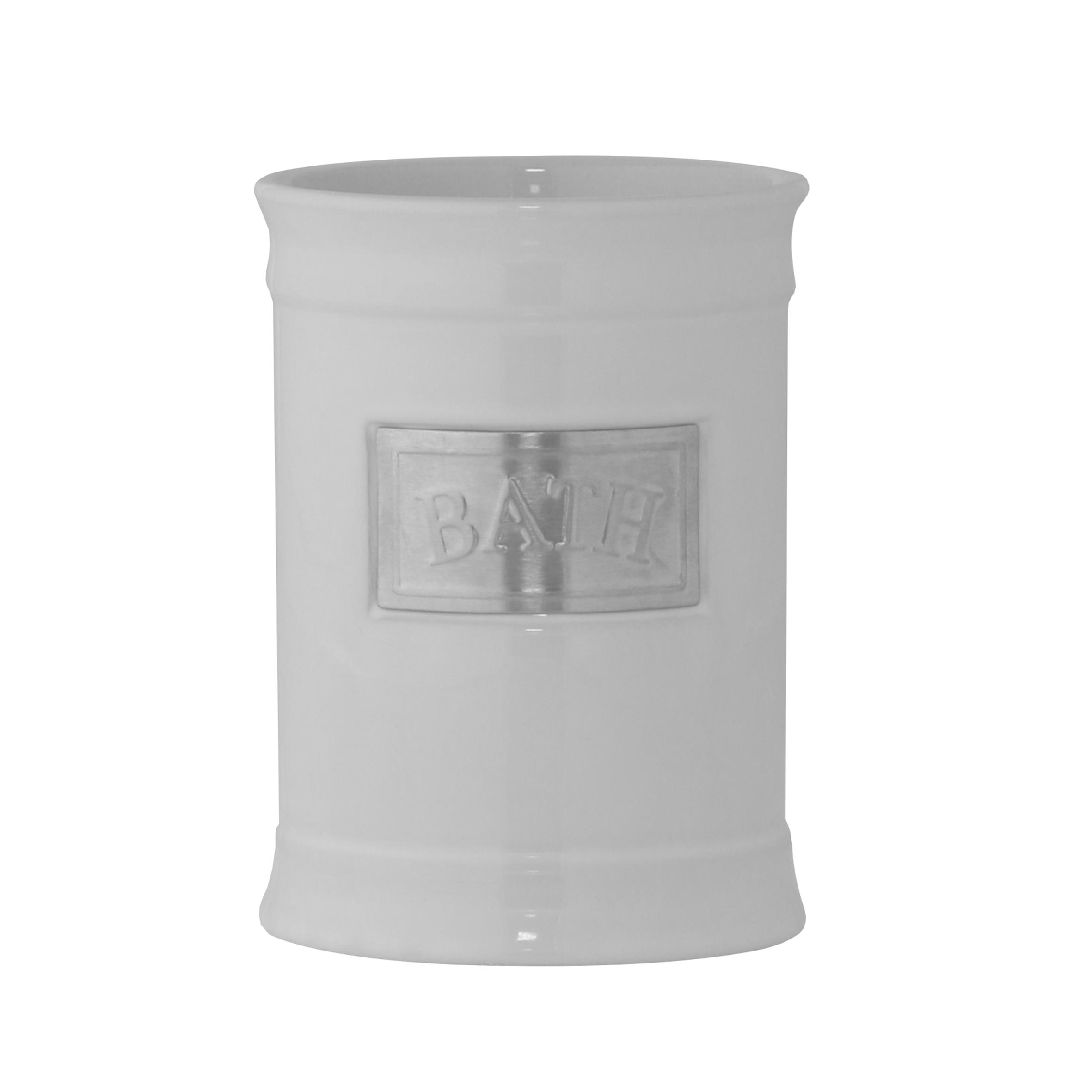 Стакан для ванной комнаты Axentia Lyon, высота 11,5 см122424Стакан для ванной комнаты Axentia Lyon выполнен из белоснежной керамики с элементами из нержавеющей стали в античном стиле. Изделие отлично подойдет для любого интерьера ванной комнаты. Высота стакана: 11,5 см. Диаметр стакана (по верхнему краю): 8,5 см.