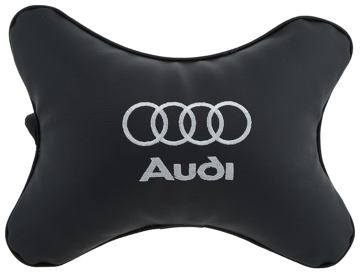 Подушка автомобильная Autoparts Audi, на подголовник, цвет: черный, белый, 30 х 20 смМ1Автомобильная подушка Autoparts Audi, выполненная из эко-кожи с мягким наполнителем из холлофайбера, снимает усталость с шейных мышц, обеспечивает правильное положение головы и амортизирует нагрузки на шейные позвонки при резком маневрировании. Ее можно зафиксировать на подголовнике с помощью регулируемого по длине ремня. На изделии имеется молния, с помощью которой вы с легкостью сможете поменять наполнитель. Если ваши пассажиры захотят вздремнуть, то подушка под голову окажется очень кстати и поможет расслабиться.