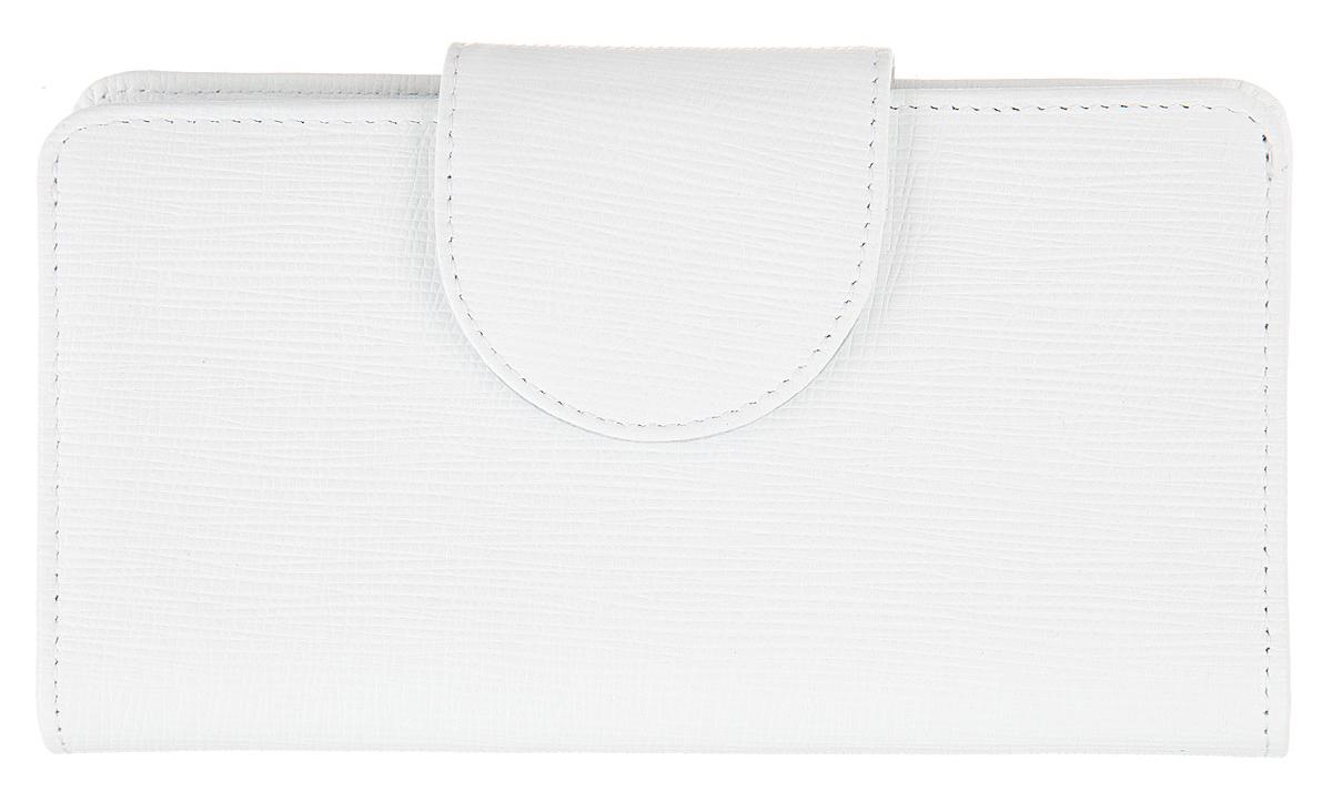 Кошелек женский Esse Мона, цвет: белый. GMNA00-00KN00-FG003O-K100GMNA00-00KN00-FG003O-K100Стильный женский кошелек Esse Мона выполнен из натуральной кожи зернистой фактуры. Модель раскладывается пополам и закрывается широким хлястиком на кнопку. Изделие содержит два отделения для купюр, карман на молнии для мелочи, четыре дополнительных открытых кармана, девять карманов для кредитных карт или визиток и карман с пластиковым окошком. Внутри кошелёк декорирован тиснением логотипа бренда. Яркий кошелек из натуральной кожи является неотъемлемым элементом делового и повседневного стилей. Он не только практичен в использовании, но также позволит вам подчеркнуть свою индивидуальность. Кошелек упакован в фирменную картонную коробку с логотипом бренда.