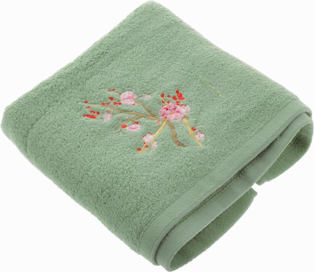 Полотенце Soavita Spring, цвет: светло-зеленый, 50 х 90 см63986Полотенце Soavita Spring выполнено из 100% хлопка. Изделие отлично впитывает влагу, быстро сохнет, сохраняет яркость цвета и не теряет форму даже после многократных стирок. Полотенце очень практично и неприхотливо в уходе. Оно создаст прекрасное настроение и украсит интерьер в ванной комнате.