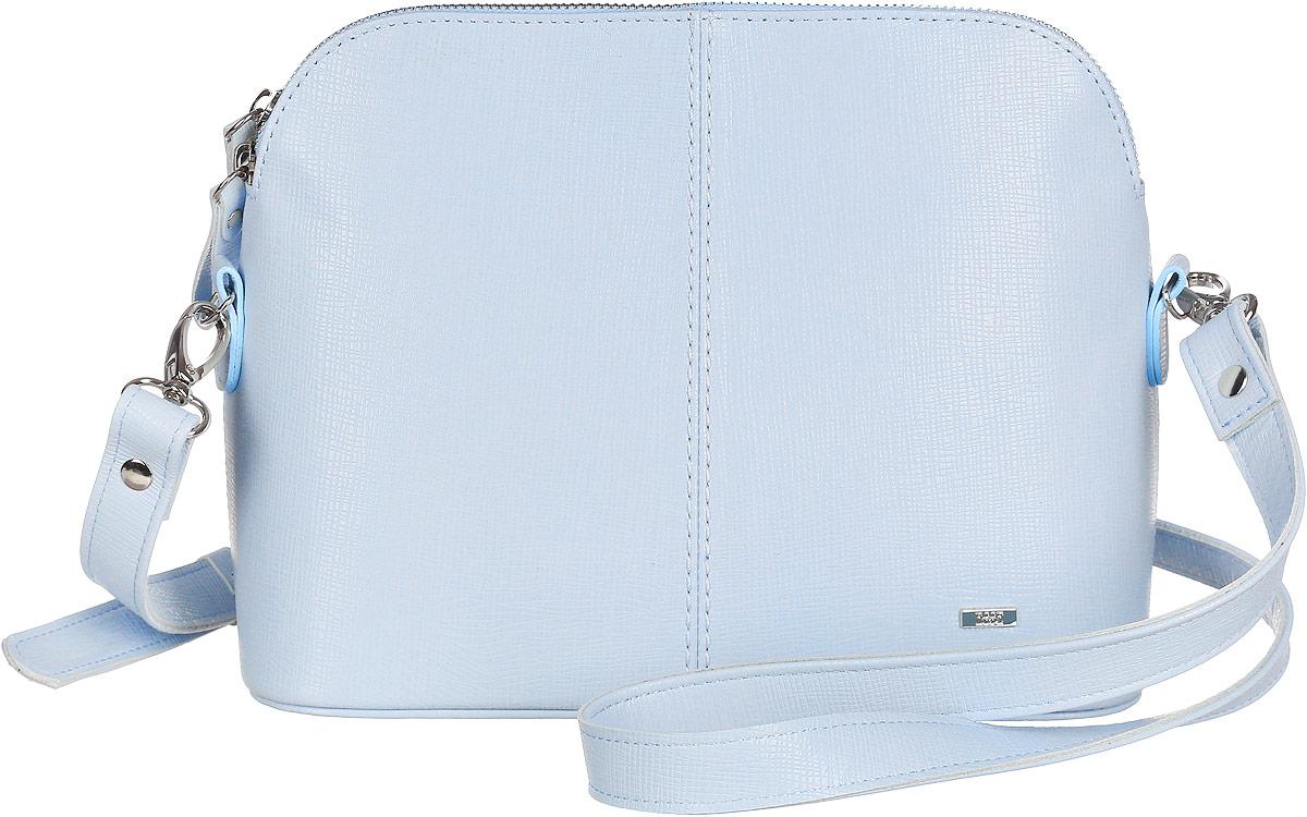 Сумка женская Esse Ребекка, цвет: голубой. GREB2U-00ML09-FF609O-K100GREB2U-00ML09-FF609O-K100Небольшая женская сумка жесткой конструкции Esse Ребекка изготовлена из натуральной кожи и оформлена металлической пластиной логотипа бренда. Модель создана для женщин, ценящих оригинальный дизайн в сочетании с функциональностью и комфортом. Сумка состоит из одного отделения и закрывается на металлическую застежку-молнию. Сумка содержит врезной карман на молнии и накладной карман для мелочей и телефона. На задней стенке предусмотрен врезной карман на молнии. Сумка оснащена съёмным плечевым ремнем, регулируемой длины. Плоское дно сумки придает изделию устойчивость. Прилагается текстильный фирменный чехол для хранения. Оригинальный аксессуар позволит вам завершить образ и быть неотразимой.