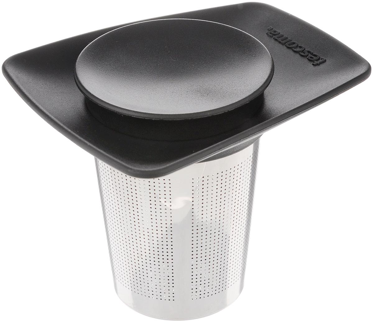 Ситечко для чая Tescoma Teo, с крышкой646668Ситечко Tescoma Teo, выполненное из высококачественной нержавеющей стали и пластика, предназначено для заваривания чая. Ситечко удобно в использовании, имеет современный дизайн и займет достойное место на вашей кухне. С таким ситечком очень удобно заваривать любимый чай. Можно мыть в посудомоечной машине. Высота: 8,5 см. Диаметр рабочей части: 5,5 см.