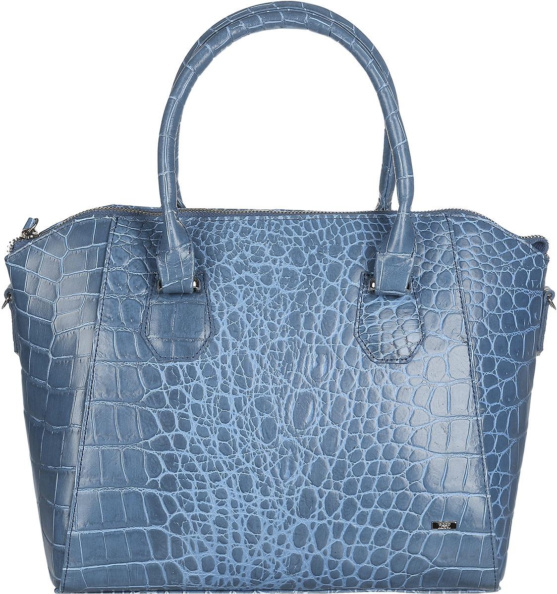 Сумка женская Esse Пэрис Elite, цвет: синий. GPAR5U-00ML09-FG108S-K100GPAR5U-00ML09-FG108S-K100Стильная женская сумка Esse Пэрис Elite изготовлена из натуральной кожи, оформлена тиснением под крокодила и металлическим значком логотипа бренда. Модель создана для женщин, ценящих оригинальный дизайн в сочетании с функциональностью и комфортом. Сумка состоит из одного отделения и закрывается на металлическую застежку-молнию. Отделение разделено карманом-средником на молнии. Внутри нашивной карман для телефона и мелочей, врезной карман на молнии. На задней стенке расположен врезной карман на молнии. Сумка оснащена удобными ручками для переноски в руке или на запястье, а также съемным плечевым ремнем, регулируемой длины. Дно сумки дополнено металлическими ножками, которые защищают изделие от повреждений. Прилагается текстильный фирменный чехол для хранения. Оригинальный аксессуар позволит вам завершить образ и быть неотразимой.