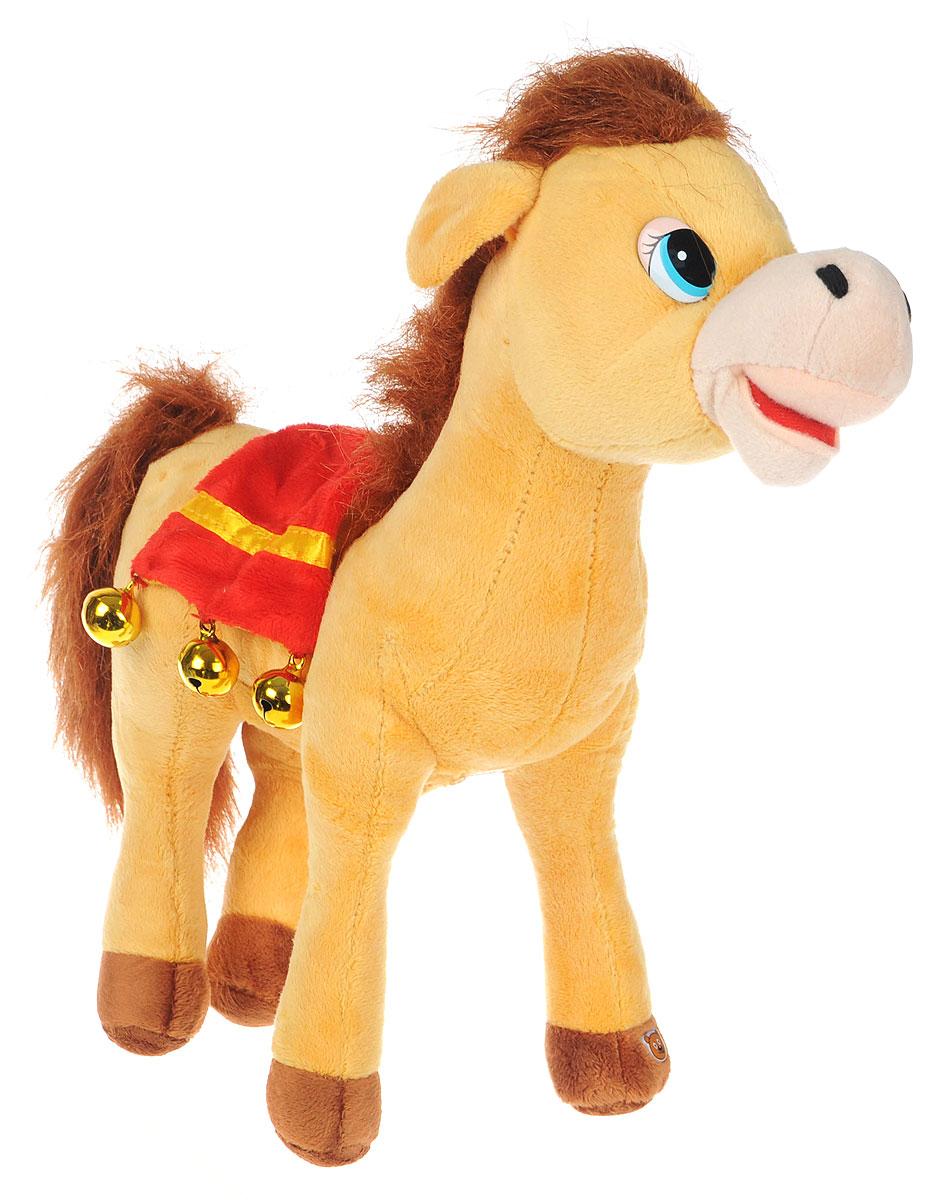 Мульти-Пульти Мягкая озвученная игрушка Лошадка цвет светло-коричневый 30 смF9-W1224Мягкая озвученная игрушка Мульти-Пульти Лошадка вызовет улыбку у каждого, кто ее увидит! Она выполнена в виде забавной лошадки с густой гривой и большим хвостом, украшенной седлом с колокольчиками. Туловище игрушки - мягконабивное, глазки - пластиковые. Если нажать игрушке на животик, лошадка будет рассказывать стихи. Игрушка подарит своему обладателю хорошее настроение! Лошадка помогает малышу познавать окружающий мир через тактильные ощущения, знакомит его с животным миром планеты, формирует цветовосприятие и способствуют концентрации внимания. Для работы игрушки необходимы 3 батарейки типа AG13 (LR44) (товар комплектуется демонстрационными).