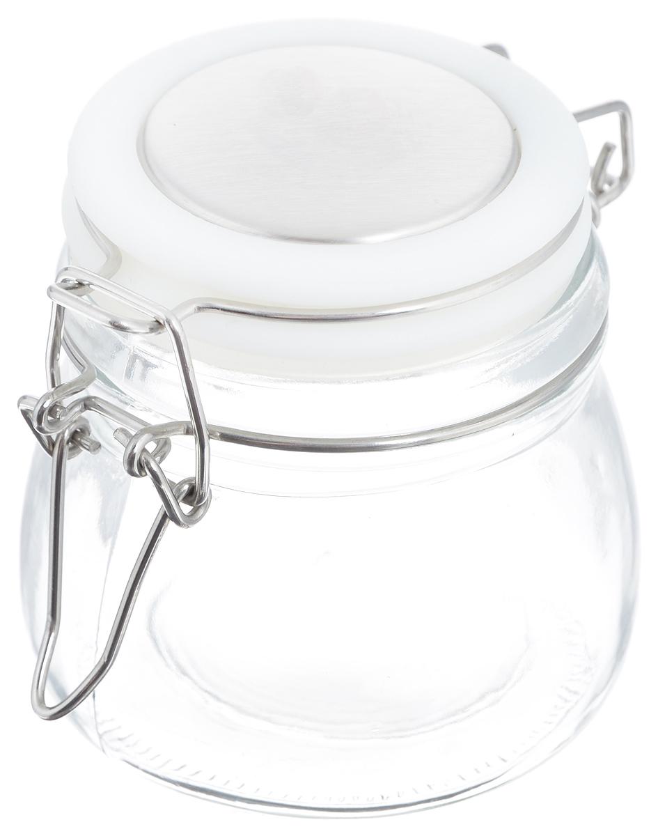 Банка для хранения Zeller, цвет: прозрачный, белый, 288 мл19958Банка Zeller выполнена из прозрачного стекла и оснащена пластиковой крышкой. Металлическая клипса герметично закрывает крышку, что позволяет продуктам дольше оставаться свежими и ароматными. Изделие прекрасно подходит для хранения разнообразных специй. Такая баночка станет достойным дополнением к вашему кухонному инвентарю. Диаметр по верхнему краю: 6 см. Высота банки (с учетом крышки): 7,5 см.