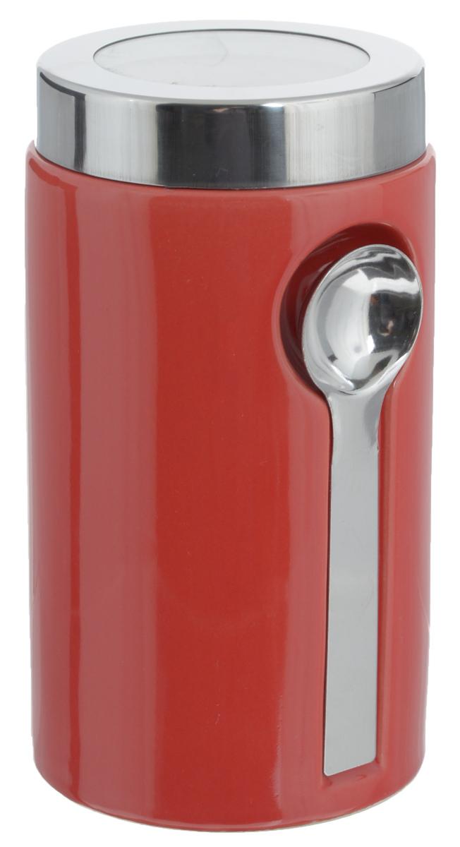 Банка для сыпучих продуктов Zeller, с ложкой, цвет: красный, 900 мл19800_красныйБанка Zeller изготовлена из высококачественной керамики. Емкость снабжена крышкой из пластика и металла, которая плотно закрывается, дольше сохраняя аромат и свежесть содержимого. Изделие оснащено металлической ложкой, которая крепится к банке с помощью магнитов. Банка подходит для хранения сыпучих продуктов: круп, специй, сахара, соли. Она станет полезным приобретением и пригодится на любой кухне. Диаметр по верхнему краю: 9 см. Высота (с учетом крышки): 19 см. Длина ложки: 14 см.