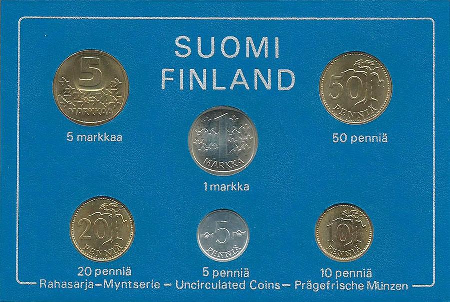 Годовой набор обиходных монет, в футляре. UNC. Финляндия, 1982 год791504Диаметр монет: 26 мм., 24 мм., 22 мм., 20 мм., 18 мм. Размер футляра: 110 х 160 мм. Материал монет: медь/никель; цинк/медь. Сохранность: UNC