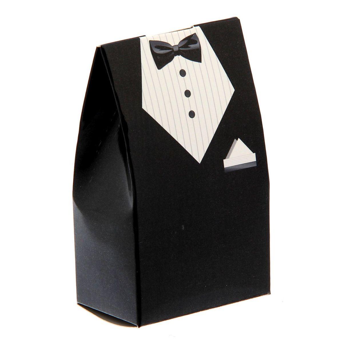 Бонбоньерка свадебная Sima-land Костюм жениха, цвет: мульти, 5,8 x 0,1 x 10 см1284916Новая разработка — бонбоньерки из картона! Такие аксессуары пользуются большой популярностью при оформлении свадебных столов: в них кладут угощение и комплименты для гостей. Бонбоньерки легко складываются. При разработке дизайна учтены самые последние модные тенденции, чтобы вы подобрали бонбоньерки под любое стилевое оформление.