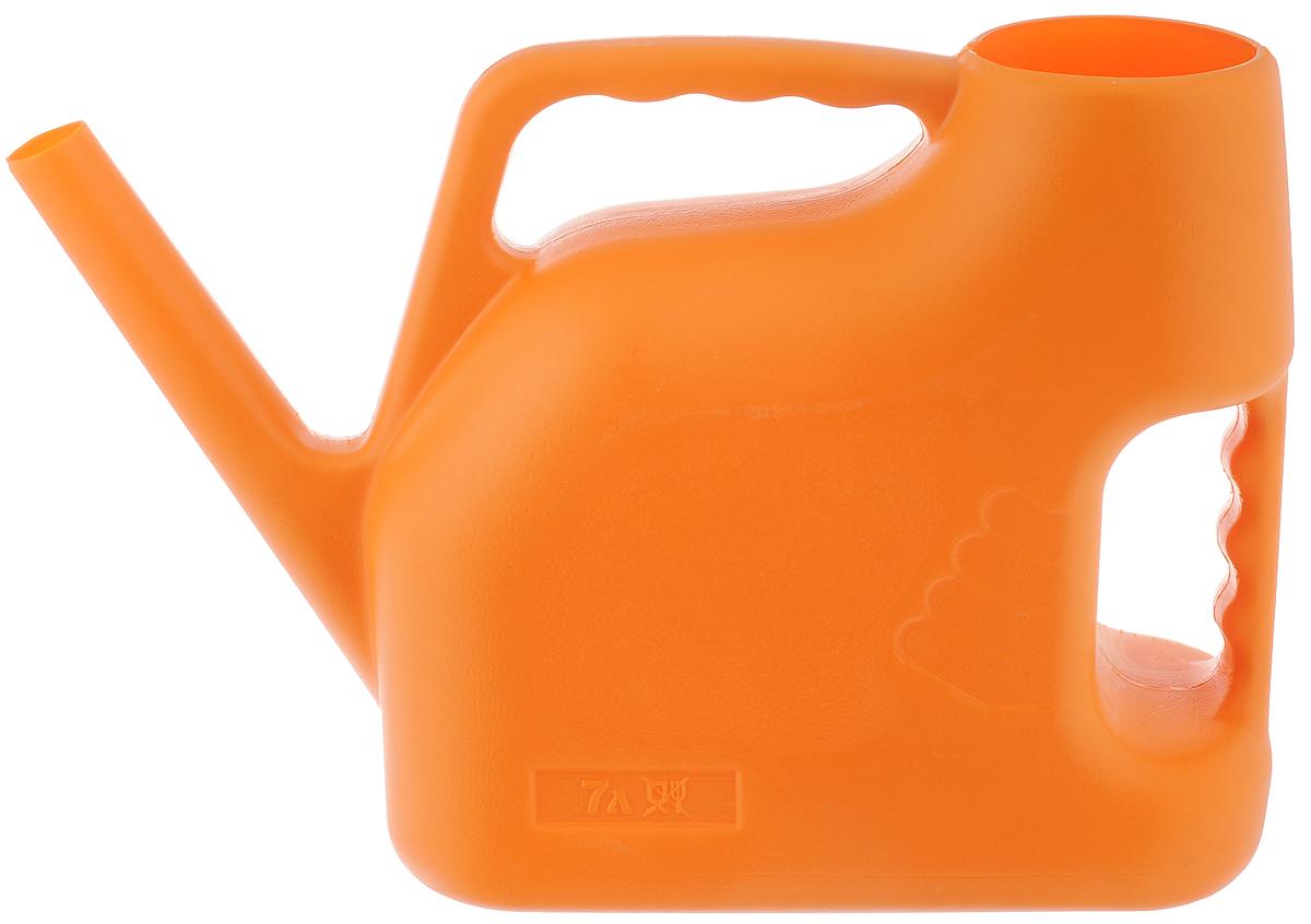 Лейка Альтернатива, цвет: оранжевый, 7 л. M222М222_оранжевыйСадовая лейка Альтернатива предназначена для полива насаждений на приусадебном участке. Она выполнена из пластика и имеет небольшую массу, что позволяет экономить силы при поливе. Удобство в использовании также обеспечивается за счет эргономичной ручки лейки. Выпуклая насадка позволяет производить равномерный полив, не прибивая растения. Лейка имеет большое горлышко для наливания воды. Лейка Альтернатива станет незаменимой на вашем огороде или в саду.
