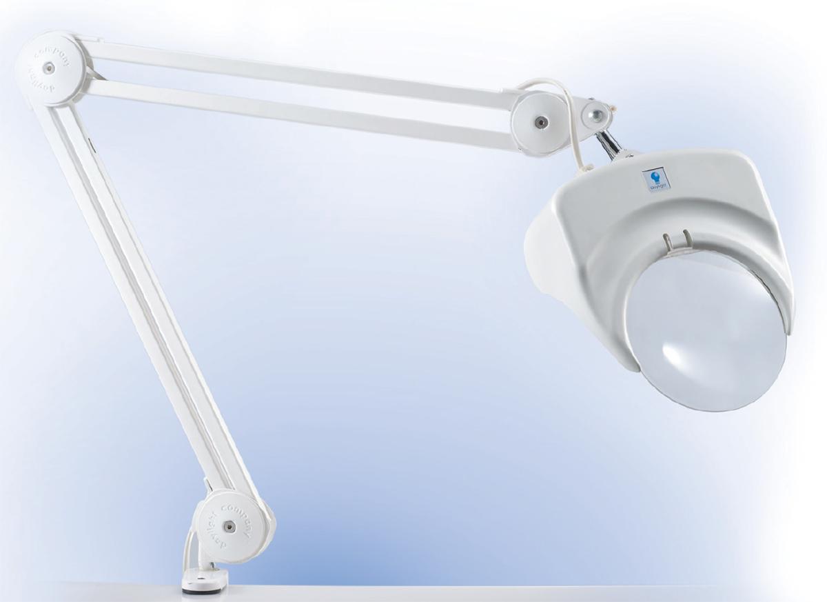 Лампа-лупа DaylightD21000(D21000-01)Лампа с лупой (белая) с креплением к столу, пяльцам. В комплекте: лампа 60W дневного света; лупа - диаметр 13 см, увеличение 1,75 Материал: пластик