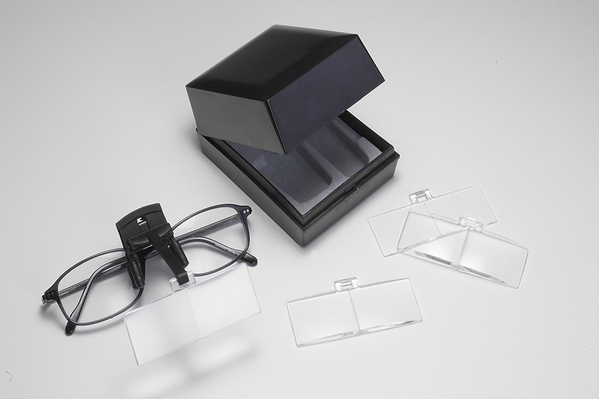 Комплект линз Daylight с креплением для очковDN91171 (D91171)Комплект линз с креплением для очков (с коэф. увеличения: 1,7/ 2/ 2,5/ 3) Материал: пластик