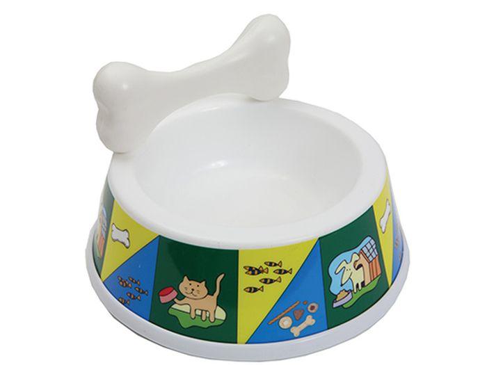 Миска для животных Каскад, с косточкой, 1 л8301708Миска для животных Каскад, изготовленная из высококачественного пластика, предназначена для корма или воды. В комплект входит косточка, которая может быть как дополнительным аксессуаром для миски так и игрушкой для питомца. Такая миска порадует удобством использования как самих животных, так и их хозяев. Яркий дизайн придаст изделию индивидуальность и удовлетворит вкус самых взыскательных зоовладельцев. Основание миски снабжено противоскользящей резиновой вставкой, благодаря которой она устойчива на любой поверхности. Объем: 1 л.