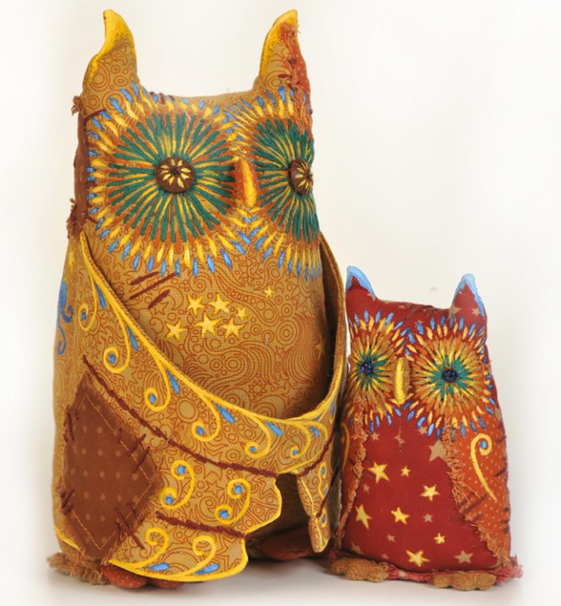 Набор для создания игрушки Перловка Совы - хранители ЛуныПЧ502Данная серия предполагает не только изготовление самой текстильной игрушки, но и состаривание ее с помощью «кофейной смеси», а также роспись акриловыми красками.