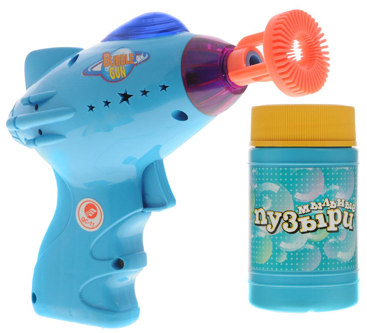 Веселая затея Набор для пускания мыльных пузырей Космос цвет голубой 140 мл1504-0193_голубойВыдувание мыльных пузырей - это веселое развлечение для детей и взрослых. А с игрушкой Веселая затея Космос вас ждет просто гигантская очередь мыльных пузырей! Для этого налейте мыльный раствор в емкость, опустите в нее носик игрушки, поднимите в воздух и нажмите на курок. Вы увидите невероятное количество пузырей. Устройте малышу настоящее мыльное шоу! Игрушка обладает световыми и звуковыми эффектами. Необходимо купить 2 батарейки напряжением 1,5V типа АА (не входят в комплект).