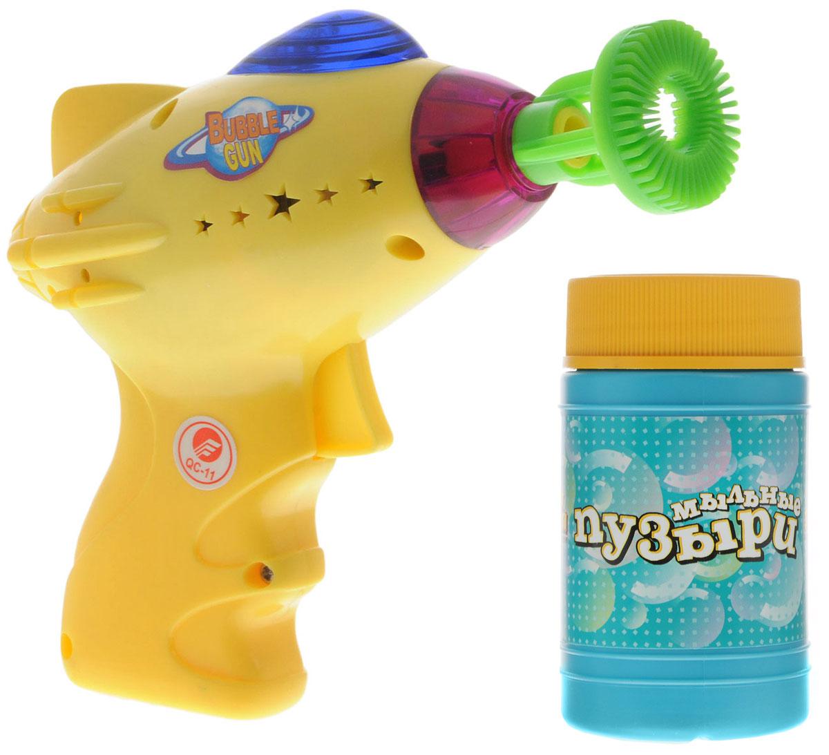 Веселая затея Набор для пускания мыльных пузырей Космос цвет желтый 140 мл1504-0193_желтыйВыдувание мыльных пузырей - это веселое развлечение для детей и взрослых. А с игрушкой Веселая затея Космос вас ждет просто гигантская очередь мыльных пузырей! Для этого налейте мыльный раствор в емкость, опустите в нее носик игрушки, поднимите в воздух и нажмите на курок. Вы увидите невероятное количество пузырей. Устройте малышу настоящее мыльное шоу! Игрушка обладает световыми и звуковыми эффектами. Необходимо купить 2 батарейки напряжением 1,5V типа АА (не входят в комплект).