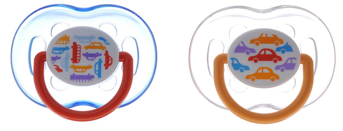 Philips Avent Пустышка силиконовая ортодонтическая Машинки от 6 до 18 месяцев 2 шт SCF172/22SCF172/22Силиконовая ортодонтическая пустышка Philips Avent с ярким дизайном непременно привлечет внимание вашего малыша. Силикон не обладает вкусом и запахом, что делает этот материал наиболее приемлемым для младенца. Пустышка помогает удовлетворить естественную потребность в сосании, а также тренирует мышцы губ, языка и челюсти, что играет важную роль в развитии речи и способности пережевывать пищу. Загубник пустышки оснащен специальными вентиляционными отверстиями, которые предотвращают накопление слюны и защищают нежную детскую кожу от покраснений и раздражения. Защелкивающийся защитный колпачок предназначен для гигиеничного хранения стерилизованных пустышек, а кольцевая ручка обеспечит более удобное вынимание пустышки. В комплекте 2 пустышки с колпачками. Не содержит бисфенол А.