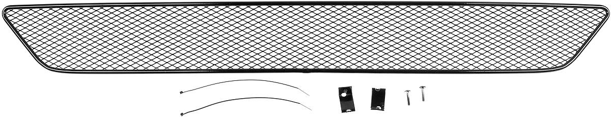 Сетка для защиты радиатора Novline-Autofamily, внешняя, для Subaru XV (2013-)01-500113-151Сетка для защиты радиатора Novline-Autofamily изготовлена из антикоррозионного материала, что гарантирует отсутствие ржавчины в процессе эксплуатации. Изделие устанавливается на штатную решетку переднего бампера автомобиля, защищая таким образом радиатор от попадания камней, крупных насекомых, мелких птиц. Простая установка делает это изделие необыкновенно удобным. В отличие от универсальных сеток, для установки которых требуется снятие бампера, то есть наличие специализированных навыков и дополнительного оборудования (подъемник и так далее), для установки этой сетки понадобится 20 минут времени и отвертка. Данный продукт разработан индивидуально под каждый бампер автомобиля. Внешняя защитная сетка радиатора полностью повторяет геометрию решетки бампера и гармонично вписывается в общий стиль автомобиля.