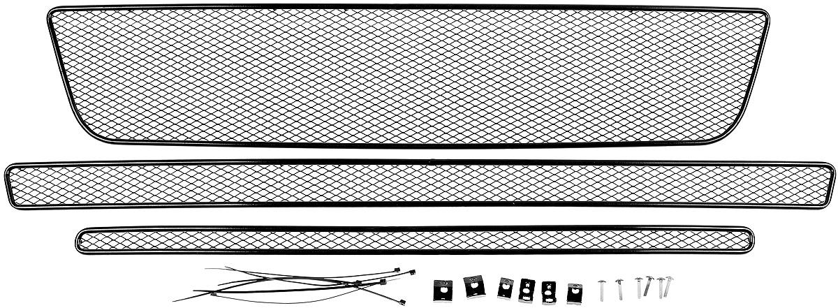 Сетка на бампер внешняя Novline-Autofamily, для FORD Explorer 2015->, для автомобилей без камеры, 3 шт01-171615-151В отличие от универсальных сеток, данный продукт разрабатывается индивидуально под каждый бампер автомобиля. Внешняя защитная сетка радиатора полностью повторяет геометрию решетки бампера и гармонично вписывается в общий стиль автомобиля. При создании продукта мы учли как потребности автомобилистов, для которых важна исключительно защитная функция, так и автолюбителей, которые ищут способы подчеркнуть или создать новый стиль своего авто. Функциональность, тюнинг, или и то, и другое? Выбор только за вами. Сетка для защиты радиатора изготовлена из антикоррозионного материала, что гарантирует отсутствие ржавчины в процессе эксплуатации. Простая установка делает этот продукт необыкновенно удобным. В отличие от универсальных сеток, для установки которых требуется снятие бампера, то есть наличие специализированных навыков и дополнительного оборудования (подъемник и так далее), для установки этого продукта понадобится 20 минут времени и отвертка.