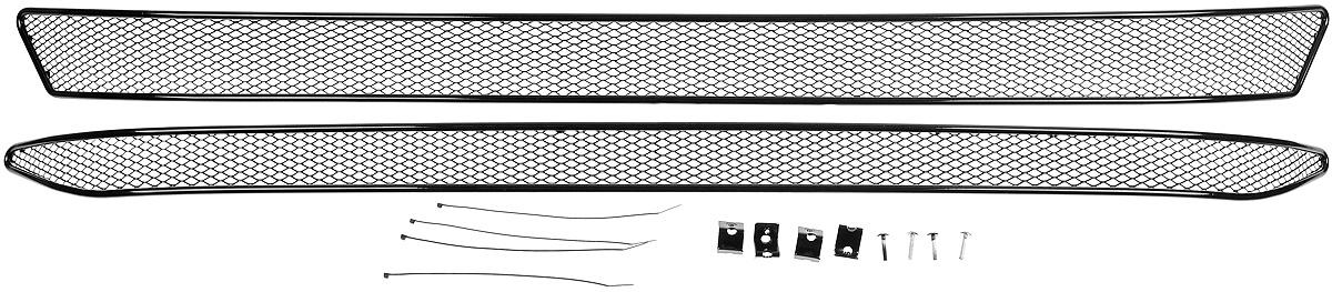 Сетка для защиты радиатора Novline-Autofamily, внешняя, для Skoda Superb (2015-), 2 шт01-471415-151Сетка для защиты радиатора Novline-Autofamily изготовлена из антикоррозионного материала, что гарантирует отсутствие ржавчины в процессе эксплуатации. Изделие устанавливается на штатную решетку переднего бампера автомобиля, защищая таким образом радиатор от попадания камней, крупных насекомых, мелких птиц. Простая установка делает это изделие необыкновенно удобным. В отличие от универсальных сеток, для установки которых требуется снятие бампера, то есть наличие специализированных навыков и дополнительного оборудования (подъемник и так далее), для установки этой сетки понадобится 20 минут времени и отвертка. Данный продукт разработан индивидуально под каждый бампер автомобиля. Внешняя защитная сетка радиатора полностью повторяет геометрию решетки бампера и гармонично вписывается в общий стиль автомобиля.