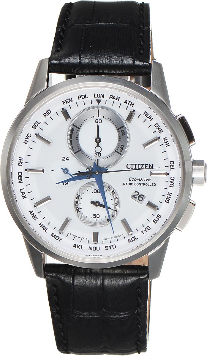Часы наручные мужские Citizen Eco-Drive, цвет: черный, стальной. AT8110-11AAT8110-11AСтильные многофункциональные мужские часы Citizen Eco-Drive выполнены из нержавеющей стали. Циферблат изделия оформлен символикой бренда. Часы оснащены функцией корректировки времени по радиосигналу, функцией отображения времени в формате 12/24 и секундомером. Данные часы позволят посмотреть значение времени и даты в различных городах мира. Корпус часов обладает степенью влагозащиты 10 bar, а также оснащен антибликовым сапфировым стеклом. Циферблат дополнен индикатором числа, индикатором включения\выключения летнего времени, индикатором калибровки, индикатором города, индикатором дня недели и индикатором уровня заряда аккумулятора. Элегантный кожаный ремешок, идеально дополняющий корпус изделия, оформлен фактурным тиснением под кожу рептилии и оснащен застежкой-бабочкой, которая позволит максимально комфортно снимать и надевать часы. Современная технология Eco-Drive позволяет заряжать аккумулятор изделия с помощью любого естественного или искусственного источника света. ...