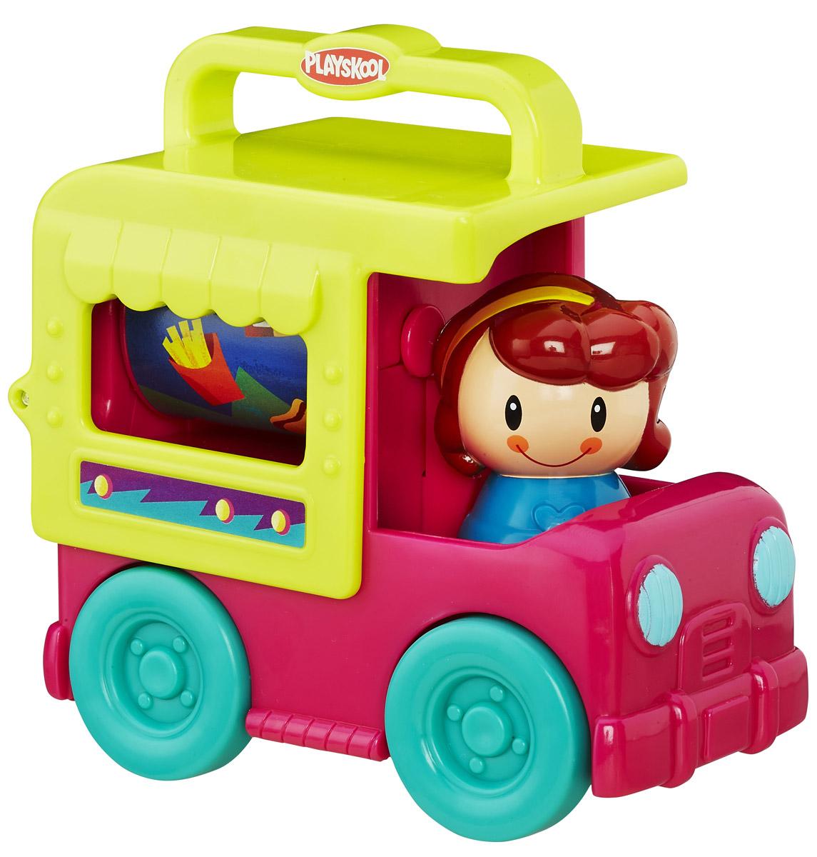 Playskool Развивающая игрушка Грузовичок цвет малиновый желтый зеленыйB4533EU4_B4895Развивающая игрушка Playskool Грузовичок привлечет внимание вашего малыша и не позволит ему скучать! Выполненная из безопасного пластика, игрушка представляет собой грузовичок с водителем. Водитель поворачивается с щелкающими звуками, крыша машинки откидывается назад, открывая находящийся в кузове барабан, украшенный изображением еды. Барабан крутится. Колеса машинки свободно вращаются. Игрушка легко помещается в сумку, у нее нет отдельных деталей, которые могут потеряться. Размер ручки для переноски на крыше машинки идеально подходит для малышей.