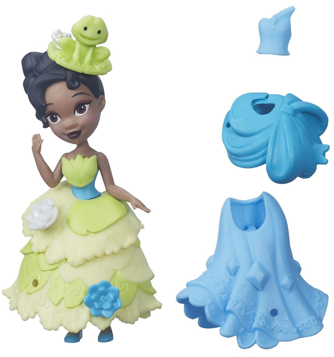 Disney Princess Мини-кукла Тиана и модные нарядыB5327EU4_B5327Мини-кукла Disney Princess Тиана обязательно понравится всем поклонницам диснеевских принцесс. Помимо принцессы Тианы в красивом платье, в набор входят дополнительный наряд для героини и несколько аксессуаров, с помощью которых можно декорировать одеяние принцессы. Такому набору будет рада каждая маленькая модница, ведь создавать и менять образы любимой куклы - это так интересно! Вашей малышке очень понравится яркая расцветка нарядов и украшения для мини-куклы, а также вносить изменение в образ любимой куклы, сочетая различные элементы наряда. Порадуйте свое драгоценное чадо столь занимательным и развлекательным подарком.